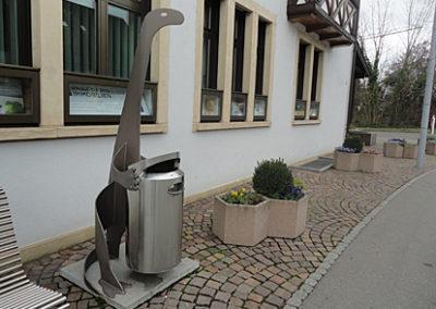 Dino-Kuebelhalter